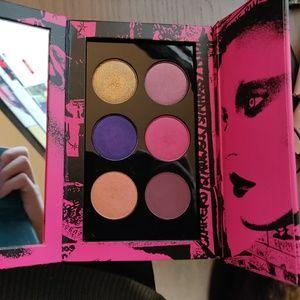 Pat McGrath (LaVie in rose eyeshadow palette)used